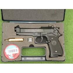 beretta  92 FS Black umarex...